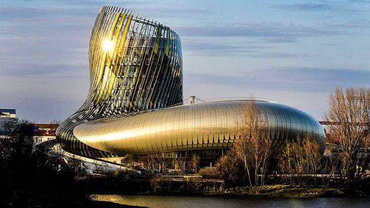 Wine museum opens in Bordeaux